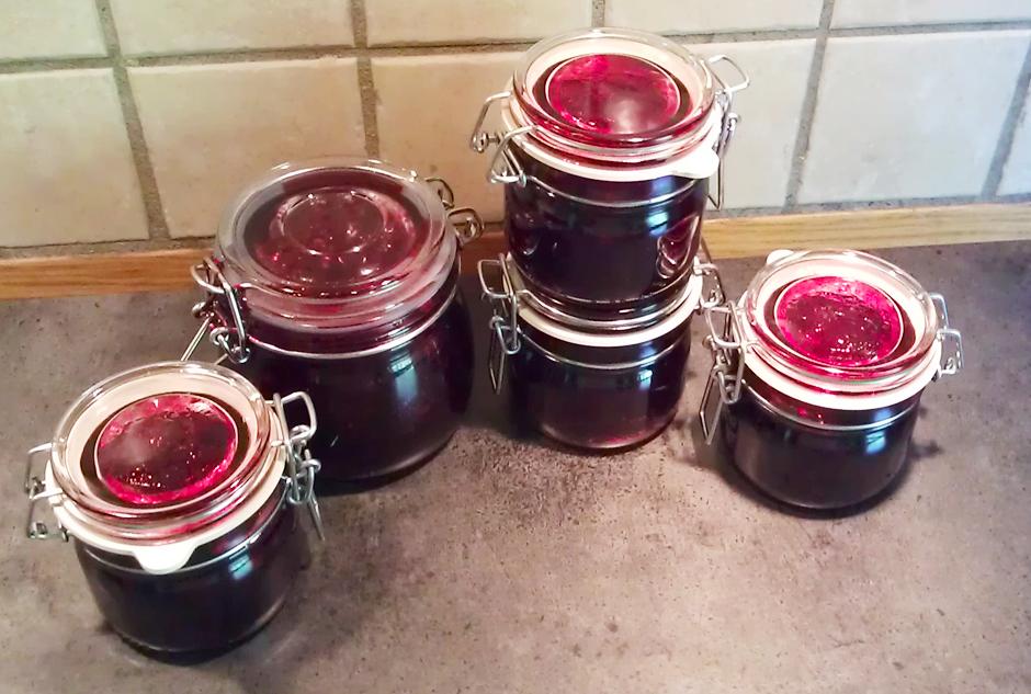 Solbærsyltetøy på glass