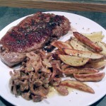 Angus steak with chipped potatoes and chanterelle