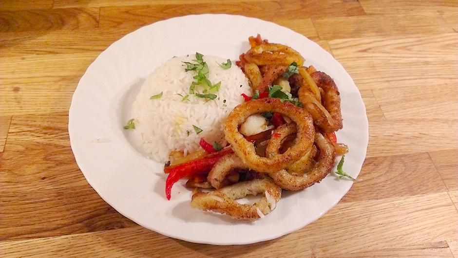 Thaiwok med blekksprut, rødspette og svartrot