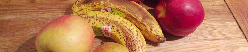 Nektarin, banana, eple og pære er godt til fruktmos for barn