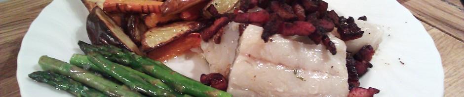 Lettsaltet torsk med sprøstekt bacon